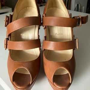 39.5 Christian Louboutin 140 open toed shoes